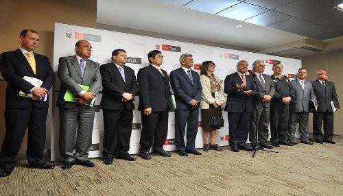 Ministro pedraza anuncia m s reuniones con ex titulares for Ex ministro del interior