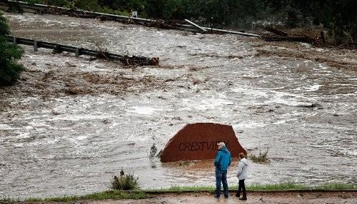 EE.UU.: Al menos 4 muertos y cientos de desaparecidos en las inundaciones en Colorado