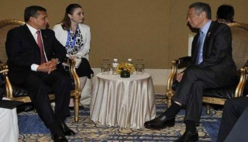 Encuentro bilateral con el Primer Ministro de Singapur sostuvo el presidente Ollanta Humala en Indonesia