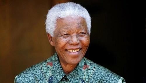 Nelson Mandela se recupera satisfactoriamente