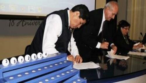 Sortearon ubicación de los siete partidos políticos en la cédula de sufragio