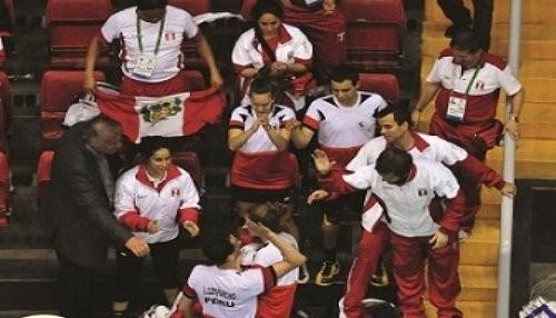 Juegos Bolivarianos 2013: Perú logra medalla de oro en bádminton por equipos