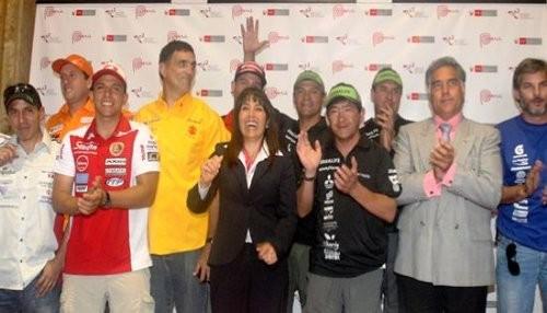 Con la llegada de Alexis Hernández a Rosario se completó la delegación peruana para el Rally Dakar 2014