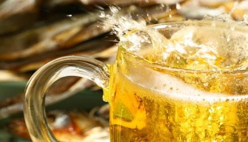 Dos pintas de cerveza al día acelera la pérdida de memoria