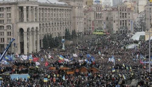 Ucrania: Presidente y manifestantes coinciden en anticipar las elecciones
