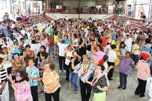 Abuelitos bailarán con disfraces en San Miguel