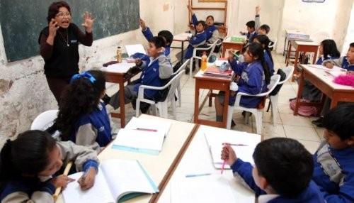 Más de 800,000 escolares nuevos recibirán atención integral de salud desde hoy lunes