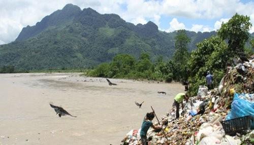 OEFA verifica que Municipalidad Provincial de Leoncio Prado arroja basura al río Huallaga en Huánuco