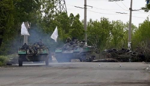 Ucrania: Rebeldes se retiran de Sloviansk