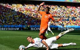 Holanda dio cuenta de Chile y se corona como la mejor escuadra de su grupo