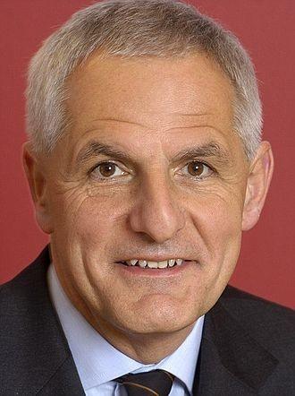 'Joep' Lange, experto mundial en lucha contra el SIDA, es una de las 298 víctimas del avión derribado en Ucrania