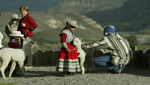 Ministra Magali Silva anuncia que con campaña dirigida a viajeros chilenos y ecuatorianos impulsaremos turismo de frontera
