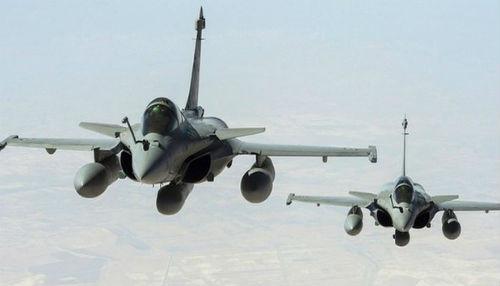 Francia lanza los primeros ataques aéreos sobre el Estado Islámico