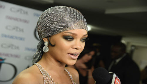 Filtran imágenes de Rihanna desnuda en la red