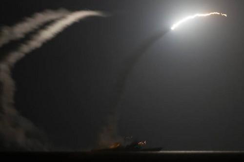 Estados Unidos y 5 países árabes inicaron ataques en Siria en contra del grupo yihadista Estado Islámico
