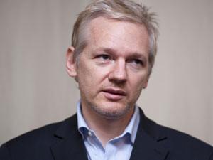 Julian Assange: 'Tenemos que pasarnos al software libre para nuestra mejor protección'