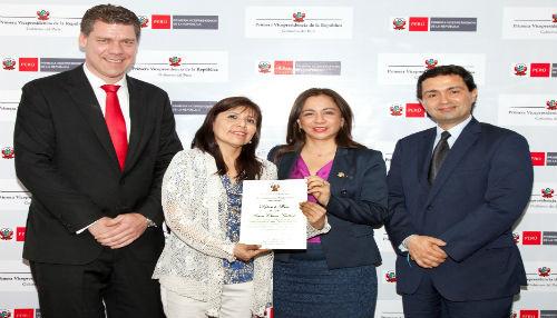 Vicepresidenta de la República reconoció a L'Oreal por su apoyo a la ciencia