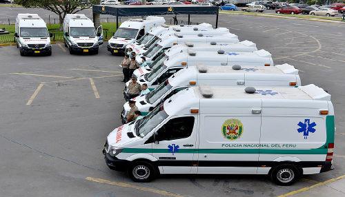 Policía Nacional recibe 21 ambulancias para ser distribuidas a nivel nacional