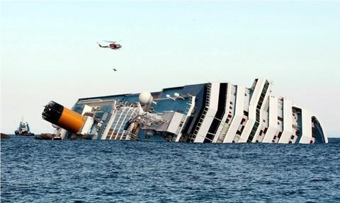 Llegan a Lima 40 sobrevivientes de crucero Costa Concordia