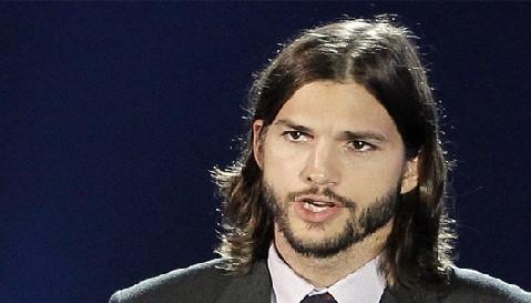 Ashton Kutcher fue invitado para viajar hacia el espacio