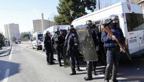 Francia despliega a la fuerza especial de la policía después de disparos en Marsella