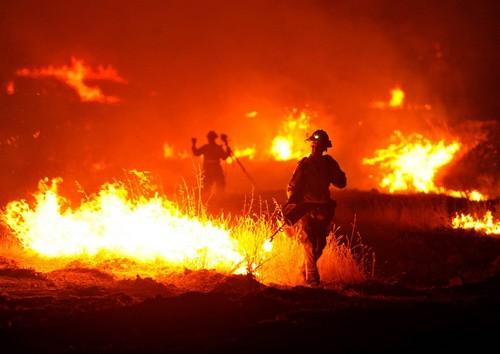 [EEUU] El Rocky Fire: un incendio que devasta y desola en California