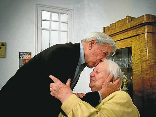 [Mario Vargas Llosa] 'Carmen queridísima, hasta pronto'