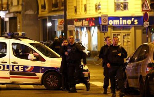 Francia: François Hollande declara estado de urgencia y cierre de fronteras