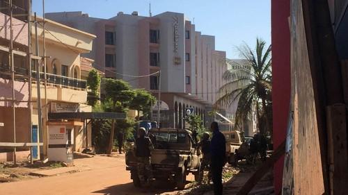 [Mali] Fuerzas del orden pusieron fin a toma de rehenes en hotel en Bamako: saldo en vidas es aún incierto