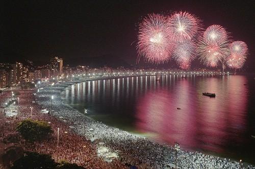 Festeja el año nuevo al estilo brasileño en lugares sin igual