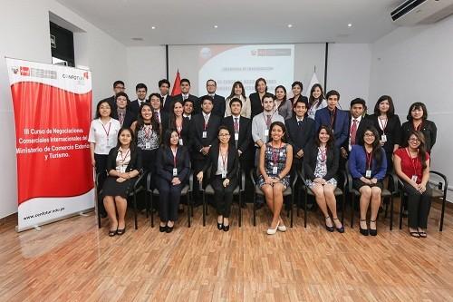 Mincetur da inicio a III Curso de Negociaciones Comerciales Internacionales con 30 estudiantes de 12 universidades del país