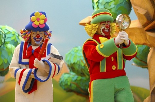 El dúo de payasos más amado de Brasil llega a Discovery Kids para recibir a los niños en parque Patati Patatá