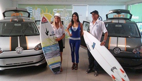 Amsa presenta el nuevo VW UP y a sus surfers Alarcón y Thun