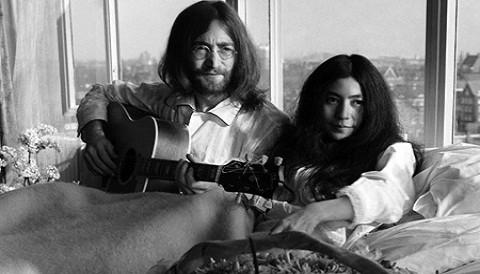 Un día como hoy: John Lennon y Yoko Ono se casaron