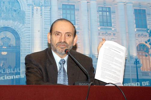 Yehude Simon: 'Alan García debe defenderse diciendo la verdad'