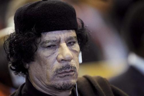 Aseguran que Gadafi suplicó por su vida antes de morir