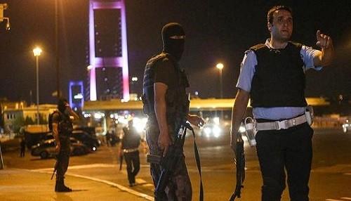 Turquía: Al menos 161 personas han muerto y hay más de 1.400 heridos en un intento de golpe militar