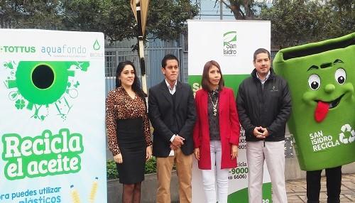 Alianza entre empresas privadas permite que San Isidro cuente con el primer contenedor para el reciclaje de aceite