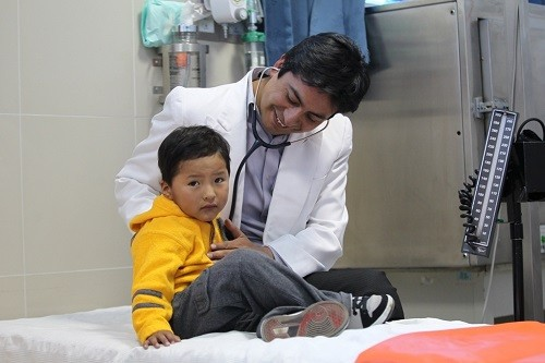 EsSalud recomienda no utilizar antibióticos en niños para tratar resfríos