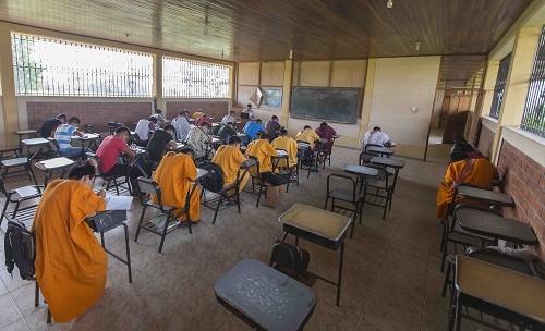 Más de 26 estudiantes de 5 comunidades nativas del Bajo Urubamba obtienen becas universitarias gratuitas