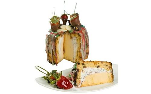 Cafeladería 4D presenta exquisito panetón relleno de helado con láminas de oro comestible