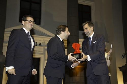 Chef español Jordi Roca y el Centro Bartolomé de las Casas recibieron el VIII Premio Cámara Española