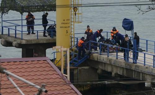 Rusia accidente aéreo: Una gran búsqueda de cuerpos continúa en el Mar Negro