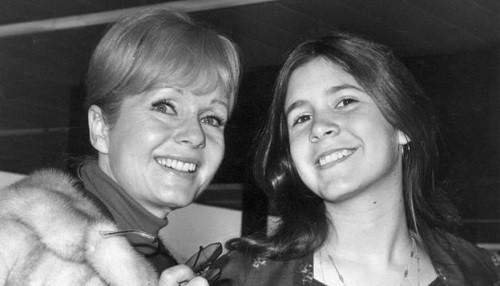 La actriz Debbie Reynolds muere un día después de la muerte de su hija Carrie Fisher