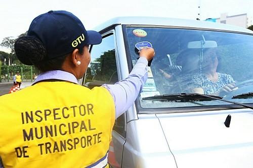 Municipalidad de Lima realiza control preventivo de movilidades escolares