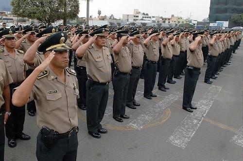 Policías podrán prestar servicios extraordinarios durante días de franco, vacaciones o permiso