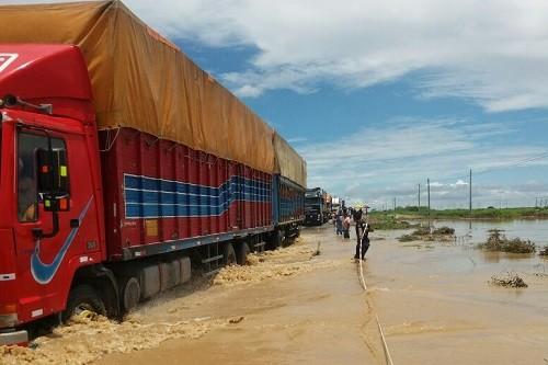 7 carreteras bloqueadas y 23 restringidas a consecuencia de desbordes de ríos