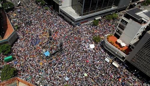 La Unión Europea insta a la calma en Venezuela en medio de las marchas