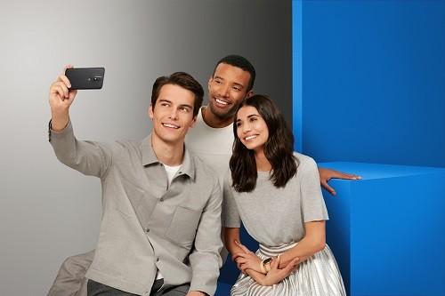 3Tips para tomar las mejores selfies y aprovechar al máximo tu cámara frontal
