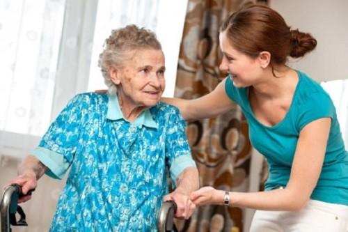 ¡Cuidar al adulto mayor, es tarea de todos en el hogar!
